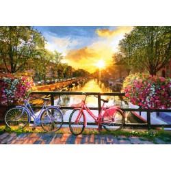 Slikovit Amsterdam s kolesi...