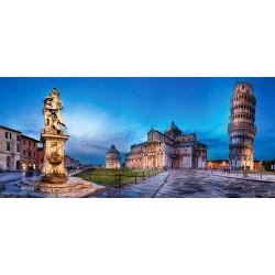 Pisa in Piazza dei Miracoli...